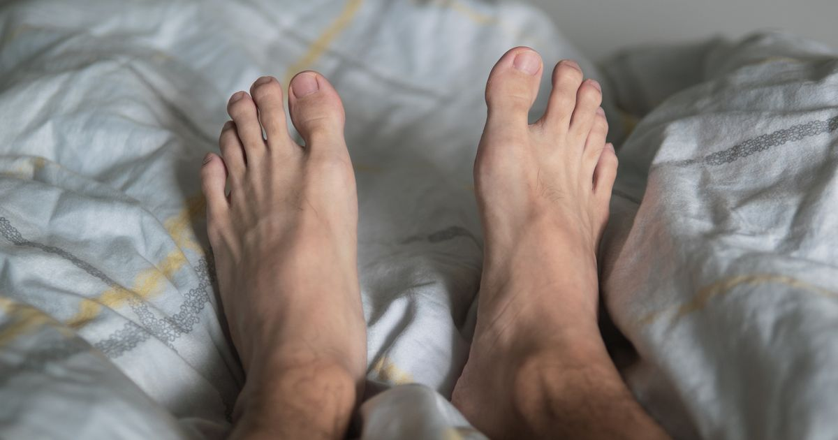 Men with big feet are more likely to cheat on their partner, claims study